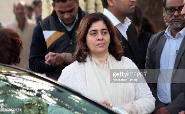 Nitasha Nanda at the funeral of Ritu Nanda at Lodhi Road Crematorium on January 14 2020 in New Delhi India Ritu Nanda daughter of the yesteryear star...