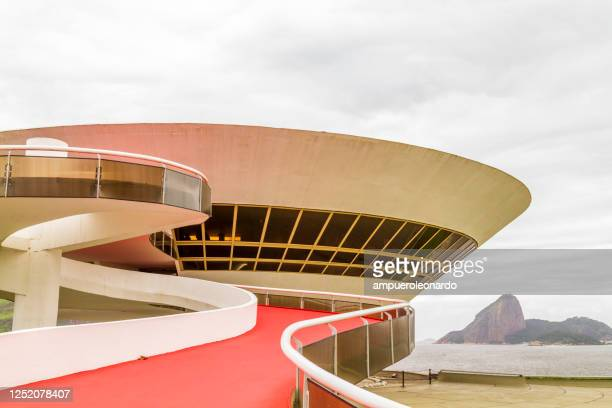 niteroi contemporary art museum, niteroi, rio de janeiro, brazil - niemeyer museum of contemporary arts stock pictures, royalty-free photos & images