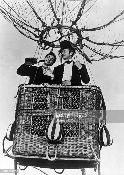 Niven David Actor Great Britain * Scene from the movie 'Around the World in Eighty Days'' with Cantinflas as serveant Passepartout taking the balloon...