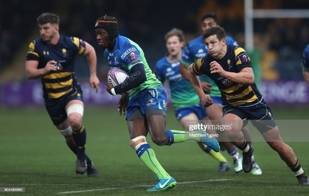 Niyi Adeolokun of Connacht Rugby breaks clear to score a try during the European Rugby Challenge Cup match between Worcester Warriors and Connacht Rugby on January 13, 2018 in Worcester, United Kingdom.