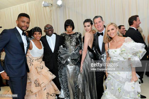 Nnamdi Asomugha Kerry Washington Edward Enninful Ella Balinska Hikari Mori Stefano Tonchi and Tory Burch attend The 2019 Met Gala Celebrating Camp...