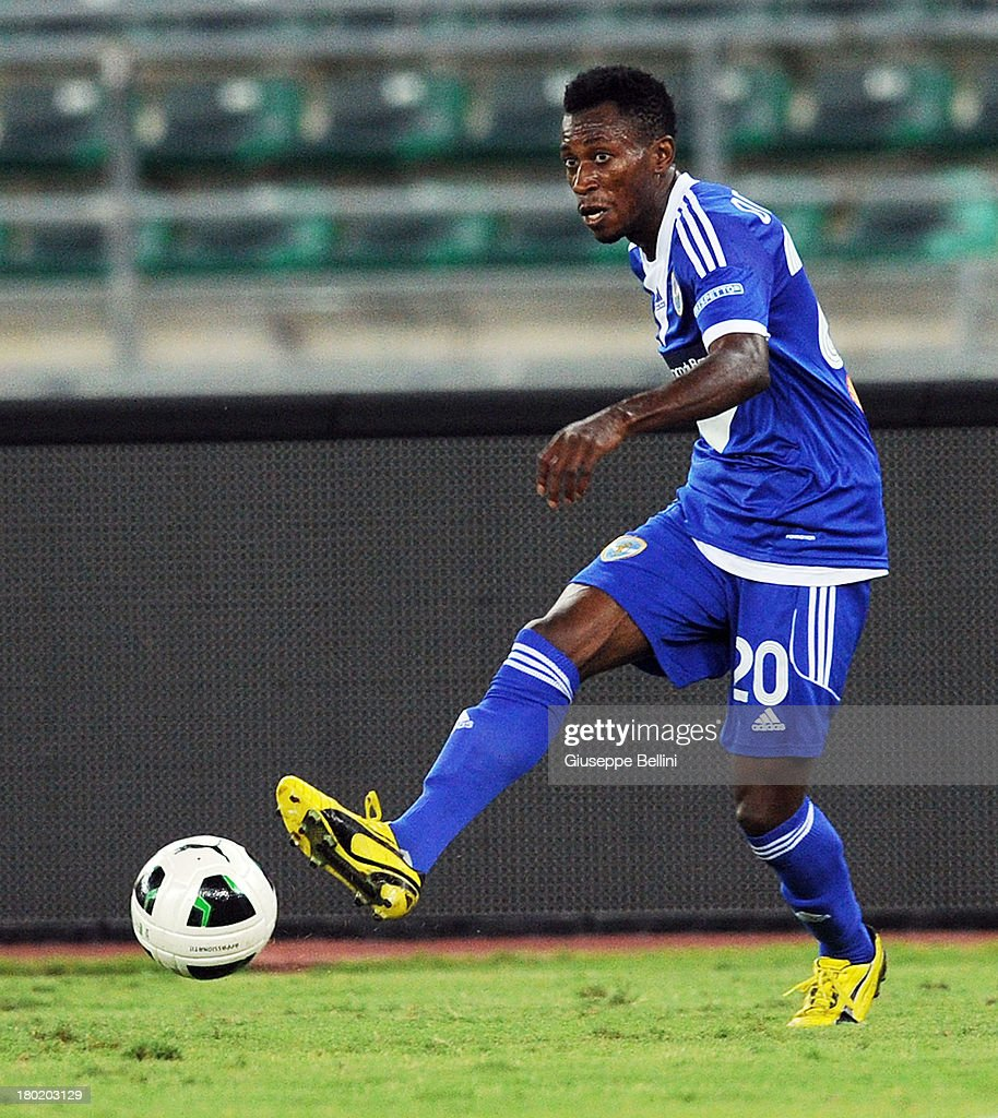 Nnamdi Oduamandi of Brescia in action during the Serie B match between AS Bari and Brescia Calcio at Stadio San Nicola on August 31, 2013 in Bari, Italy.