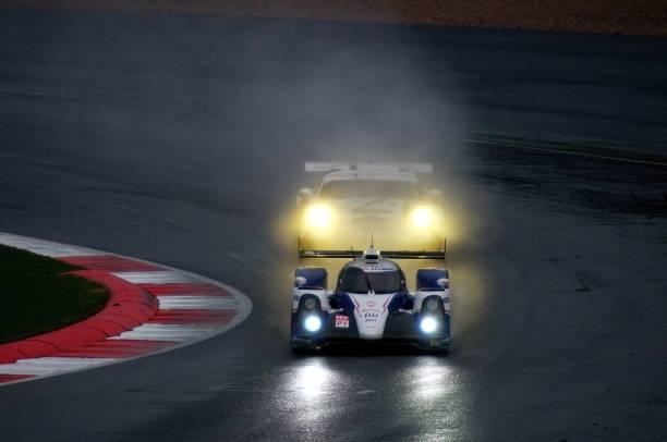 No 8, Toyota TS 040, No, 92 Porsche 911 RSR, FIA WEC Silverstone