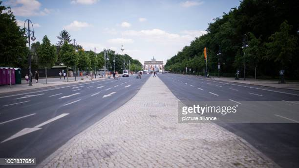 No cars on Strasse des 17 Juni due to preparations for the Evangelischer Kirchentag in Berlin Germany 22 May 2017 Photo Sophia Kembowski/dpa