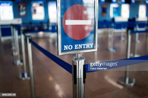 no entry sign in the airport - exclusive stock pictures, royalty-free photos & images