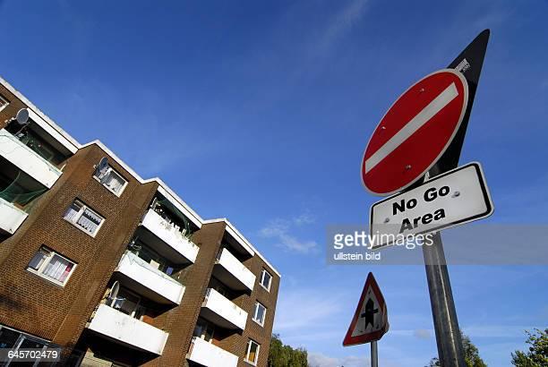 No Go Area Areas NoGoArea NoGoAreas Verkehrsschild Verkehrsschilder Einfahrt verboten Gefahr Gefahren Gewalt Ausl‰nderfeindlichkeit Ausl‰nderhass...