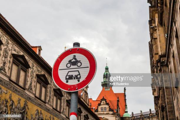 no motor vehicles road sign in dresden, germany - verboten stock-fotos und bilder