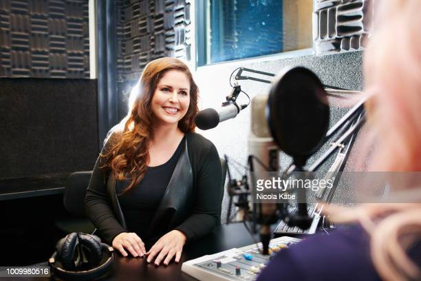 no one hosts a radio show like she does - radio broadcasting stock pictures, royalty-free photos & images