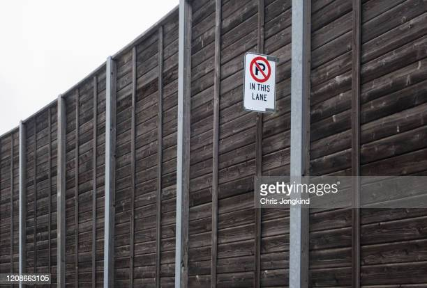 no parking sign in lane - road sign board stock pictures, royalty-free photos & images