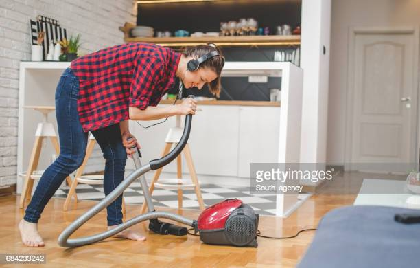no problems at all - tv housewife stock photos and pictures