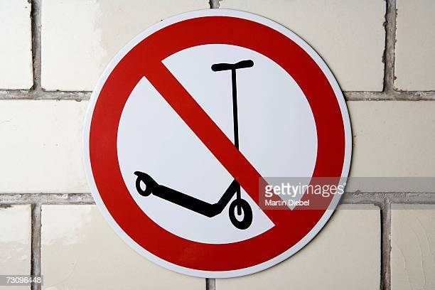 ?No scooter?s? sign