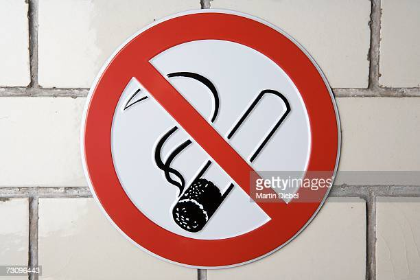 ?No smoking? sign