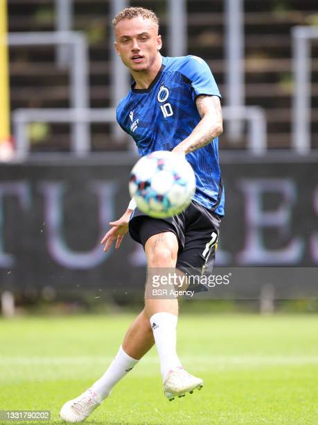 Noa Lang of Club Brugge warming up during the Jupiler Pro League match between Union Saint Gilloise and Club Brugge at Joseph Marien Stadion on...