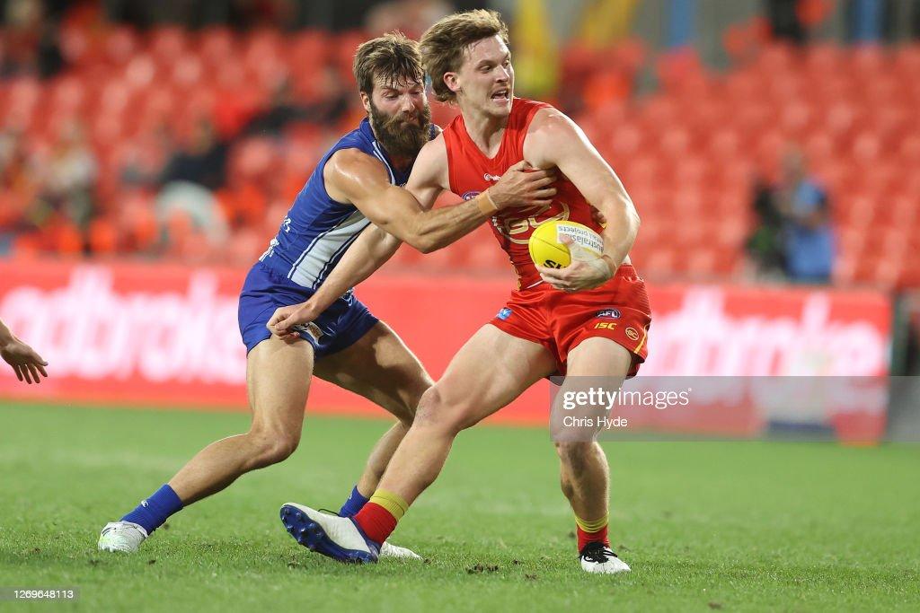 AFL Rd 14 -  Gold Coast v North Melbourne : News Photo