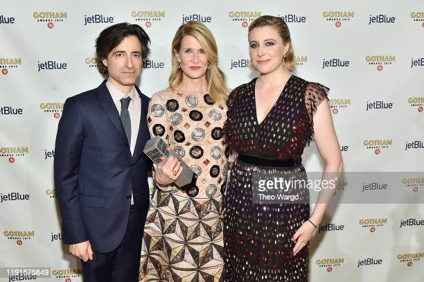 Noah Baumbach Laura Dern and Greta Gerwig pose backstage with an award during the IFP's 29th Annual Gotham Independent Film Awards at Cipriani Wall...