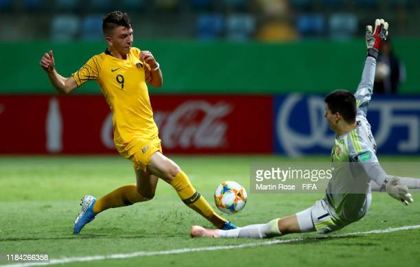 Noah Botic of Australia challenges Krisztian Hegyi goalkeeper of Hungary during the FIFA U17 World Cup Brazil 2019 Group B match between Australia...