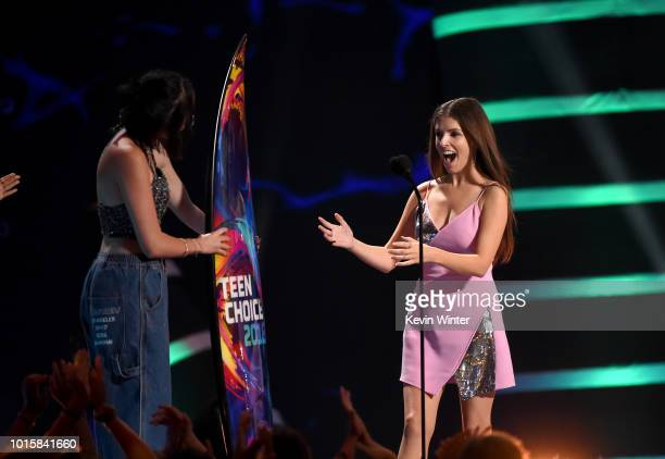 Noah Cyrus presents the Choice Comedy Movie Actress for 'Pitch Perfect 3' to Anna Kendrick onstage during FOX's Teen Choice Awards at The Forum on...