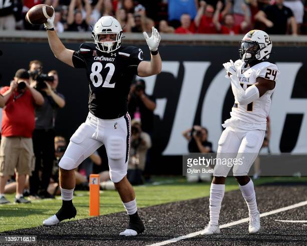Noah Davis of the Cincinnati Bearcats celebrates after scoring a touchdown in the second quarter against the Murray State Racers at Nippert Stadium...