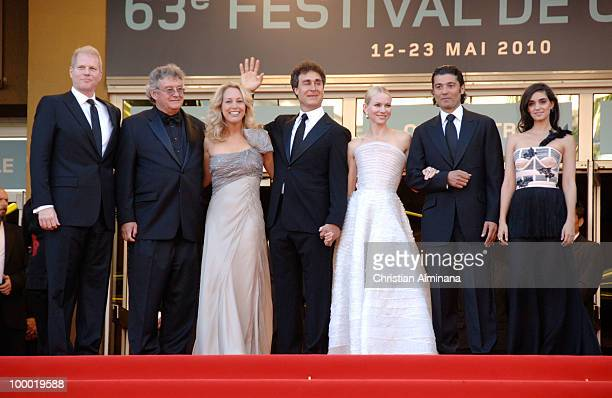 Noah Emmerich guest Former CIA agent Valerie Plame Director Doug Liman Naomi Watts Khaled Nabawy and Liraz Charhi attend the 'Fair Game' Premiere...
