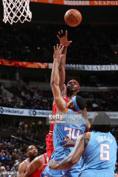Noah Vonleh of the Chicago Bulls dunks against the LA Clippers on March 13 2018 at the United Center in Chicago Illinois NOTE TO USER User expressly...