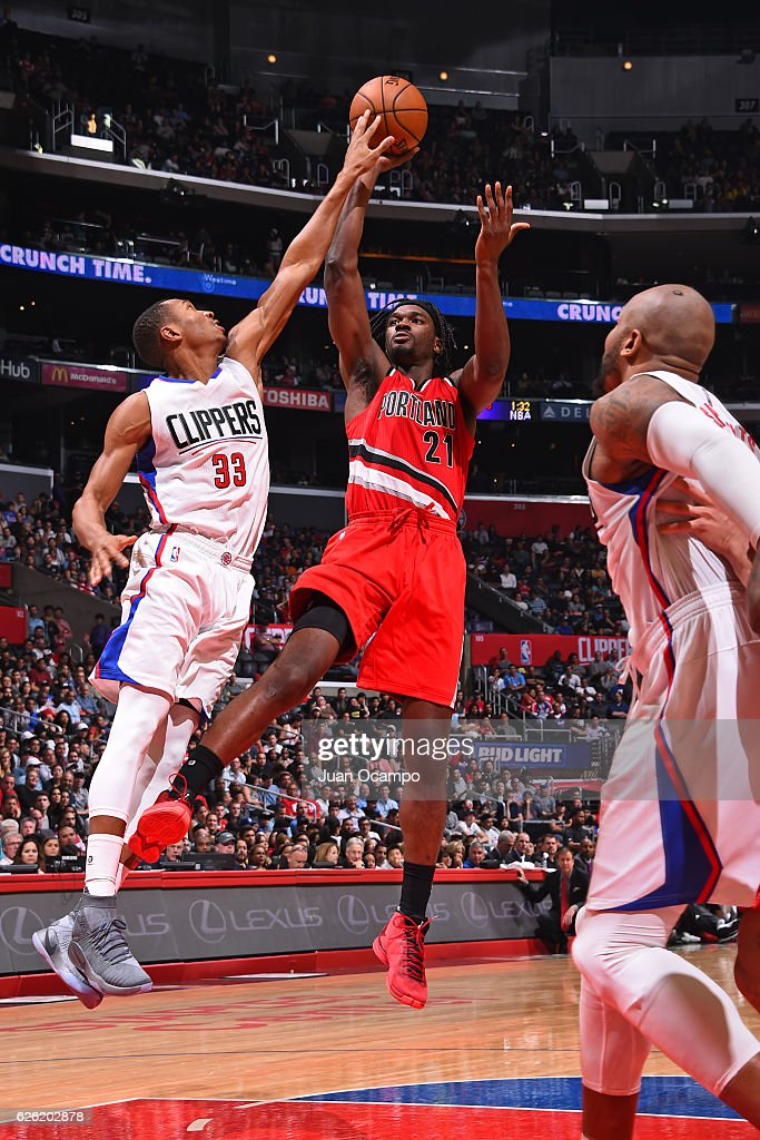 Noah Vonleh #21 of the Portland Trail Blazers shoots the ball against the LA Clippers on November 09, 2016 at STAPLES Center in Los Angeles, California.