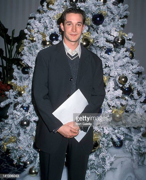 Noah Wyle at the 56th Annual Golden Globe Awards Nominations Announcement-Press Conference, Beverly Hilton Hotel, Beverly Hills.