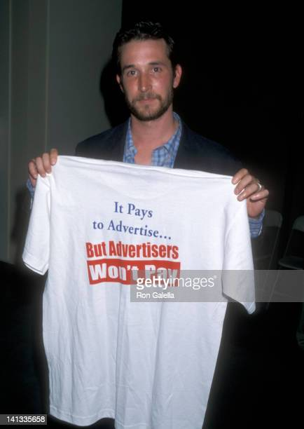 Noah Wyle at the Screen Actors Guild Rally & Press Conference, James Cagney Theatre, Los Angeles.