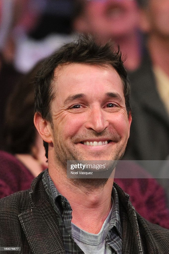 Noah Wyle attends a basketball game between the Utah Jazz and the Los Angeles Lakers at Staples Center on January 25, 2013 in Los Angeles, California.
