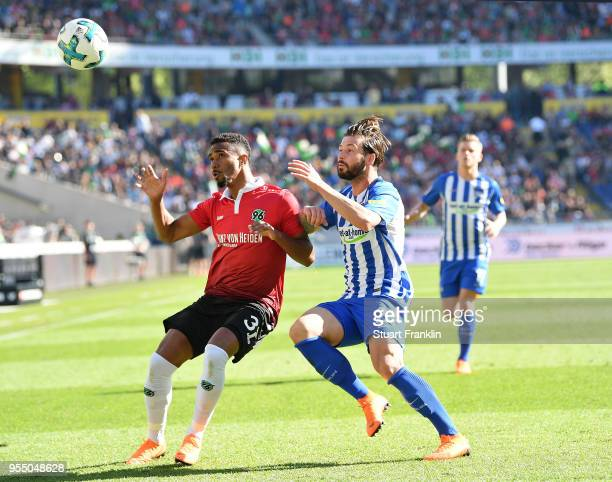 NoahJoel SarenrenBazee of Hannover is challenged by Marvin Plattenhardt of Berlin during the Bundesliga match between Hannover 96 and Hertha BSC at...