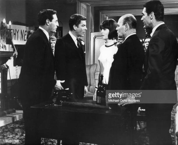 Noam Pitlik Dick Van Dyke Barbara Feldon Antony Eustrel and Albert Carrier hold a conference to resolve a crises in a scene from the film 'Fitzwilly'...