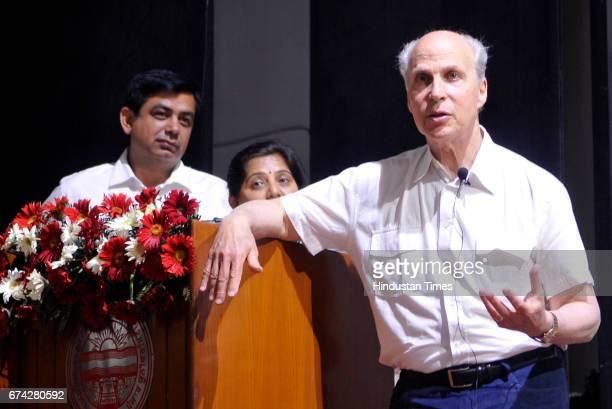 Nobel laureate Prof Roger D Kornberg Department of Structural Biology Stanford School of Medicine USA addressing the gathering during DST Inspire...