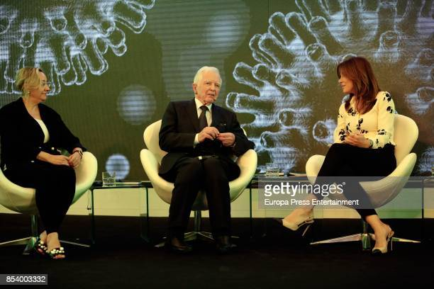 Nobel medicine prize Harald zur Hausen and Mamen Mendizabal attends the press conference 'Present and Future of Cancer Research' at Casa del Lector...