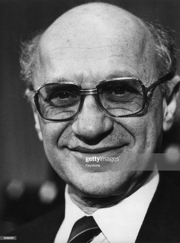 Milton Friedman : ニュース写真