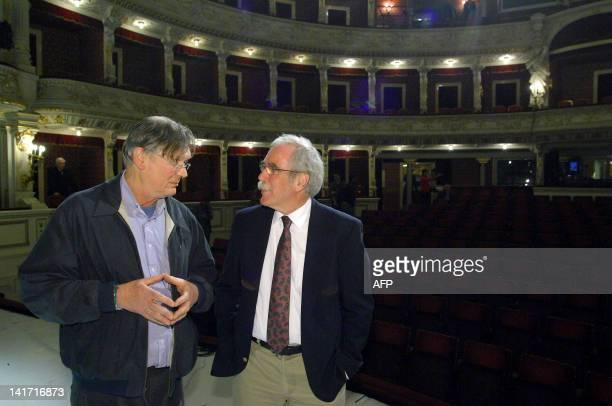 Nobel prize laureates English biochemist Sir Richard Timothy 'Tim' Hunt of 2001 chats with American developmental biologist Eric Weischaus of 1995 on...