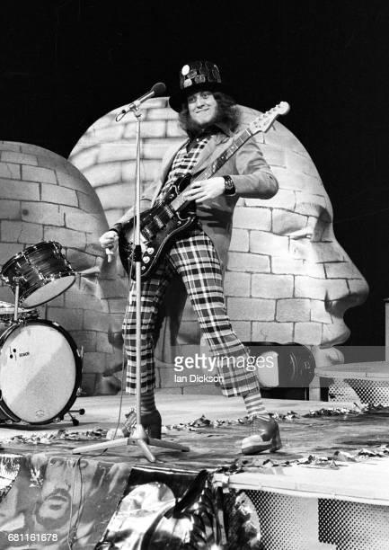 Noddy Holder of Slade performing on a Dutch TV show at Hilversum TV Studios Netherlands 1974