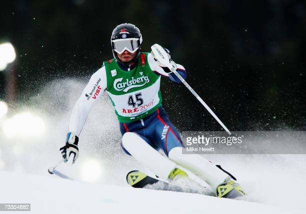 Noel Baxter of Great Britain competes during the Men's Slalom on day fifteen of the FIS World Ski Championships on February 17, 2007 in Are, Sweden....