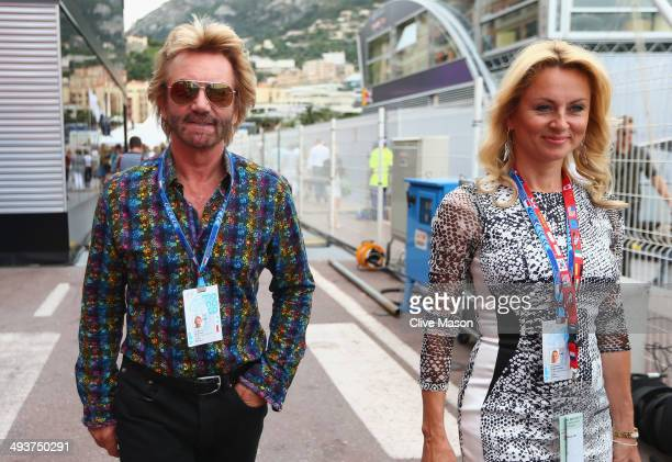 Noel Edmonds and his wife Elizabeth arrive prior to the Monaco Formula One Grand Prix at Circuit de Monaco on May 25 2014 in MonteCarlo Monaco