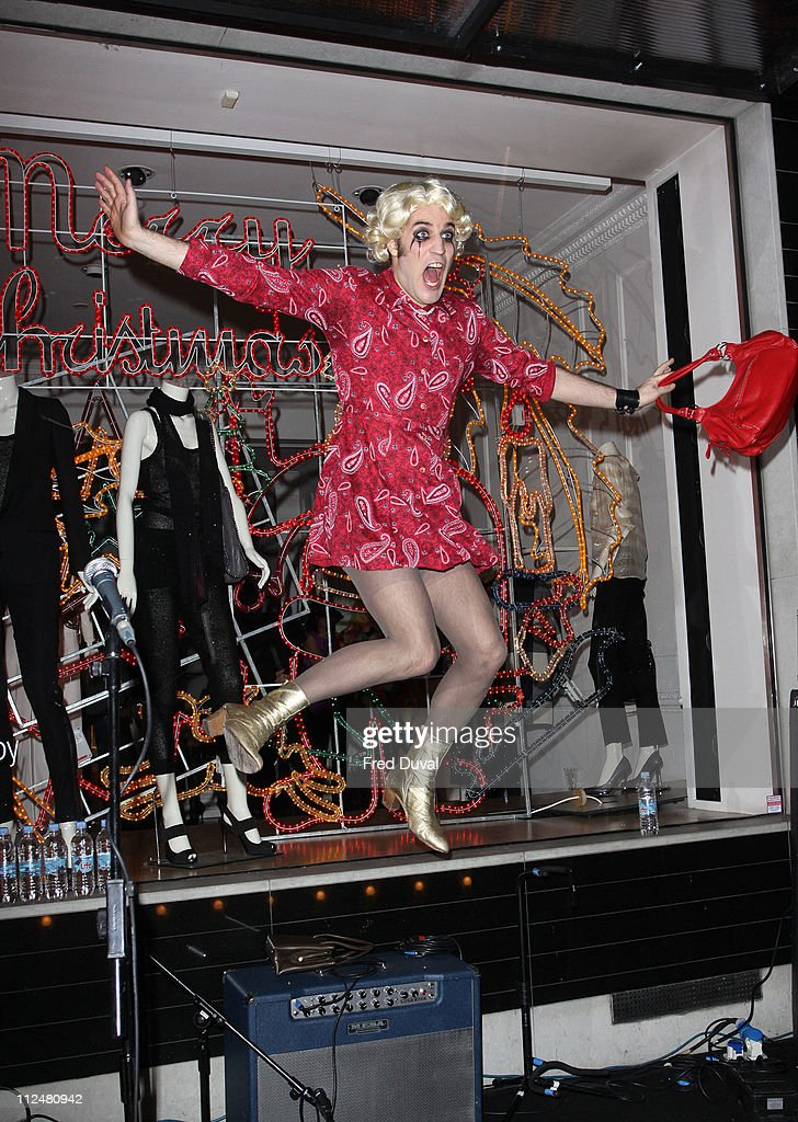 Noel Fielding attends the switch on ceremony for the Stella McCartney store christmas lights on November 23, 2009 in London, England.