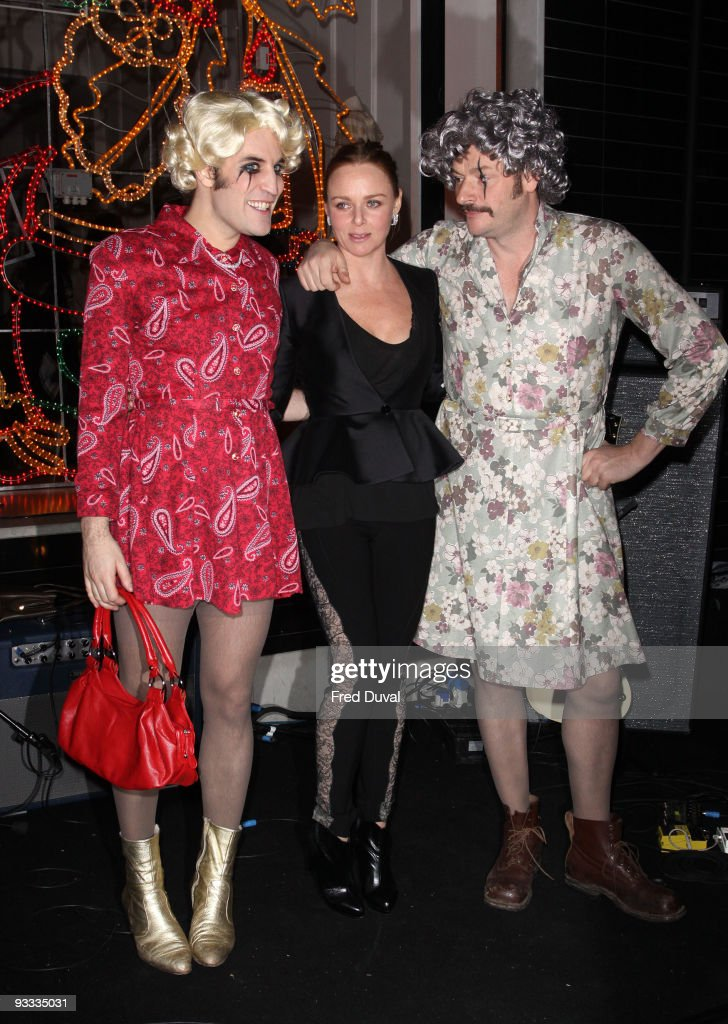 Noel Fielding, Julian Barratt and Stella McCartney attend the switching on ceremony for the Stella McCartney store christmas lights on November 23, 2009 in London, England.
