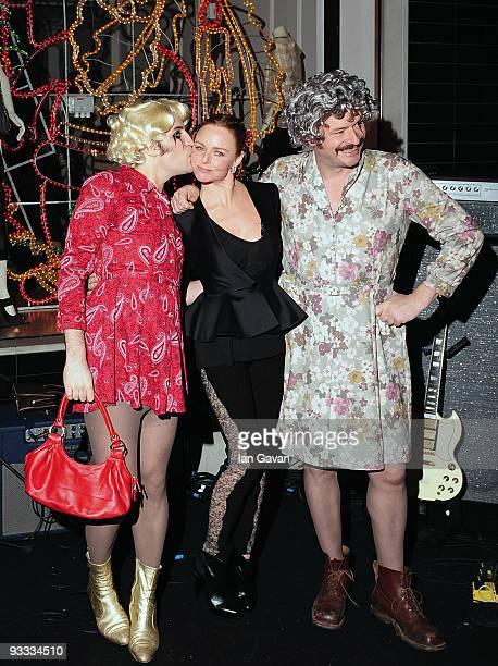 Noel Fielding Stella McCartney and Julian Barratt attend the switching on of Stella McCartney's London store Christmas Lights on November 23 2009 in...
