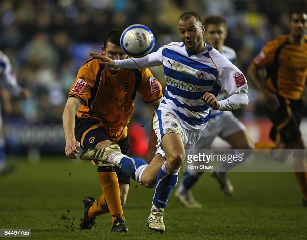 Noel Hunt of Reading during the Coca Cola Championship match between Reading and Wolverhampton Wanderers at the Madejski Stadium on January 27 2009...