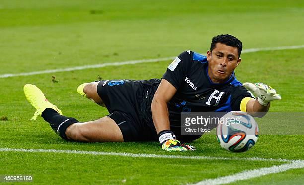 Noel Valladares of Honduras makes a save during the 2014 FIFA World Cup Brazil Group E match between Honduras and Ecuador at Arena da Baixada on June...