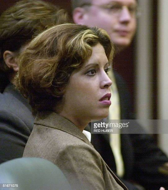 Noelle Bush daughter of Florida Governor Jeb Bush looks around the courtroom before a hearing at the Orange County Courthouse 17 October 2002 in...