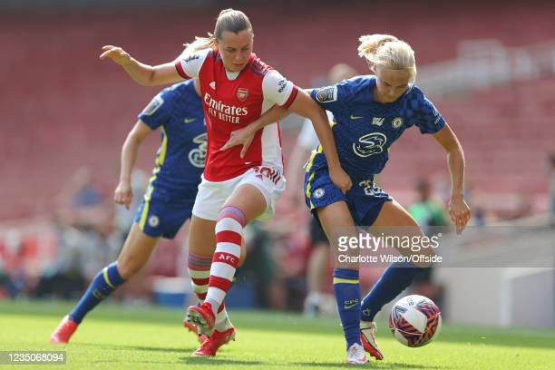 Noelle Maritz of Arsenal and Pernille Harder of Chelsea during the Barclays FA Women's Super League match between Arsenal Women and Chelsea Women at...