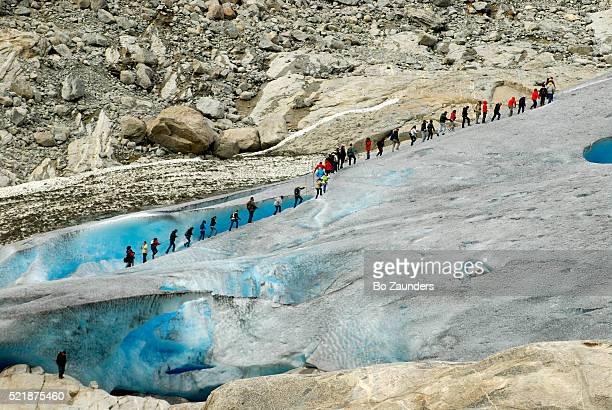 nogardsbreen glacier - bo zaunders stock pictures, royalty-free photos & images