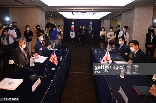 Noh Kyu-duk , South Korea's Special Representative for Korean Peninsula Peace and Security Affairs, poses with Sung Kim , U.S. Special Representative...
