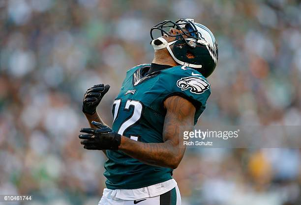Nolan Carroll of the Philadelphia Eagles reacts to a missed interception against the Pittsburgh Steelers in the third quarter at Lincoln Financial...