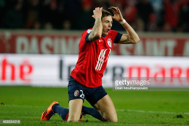 Nolan Roux of Lille reacts to a referee decision during the Ligue 1 match between LOSC Lille and Olympique de Marseille held at Stade Pierre-Mauroy...