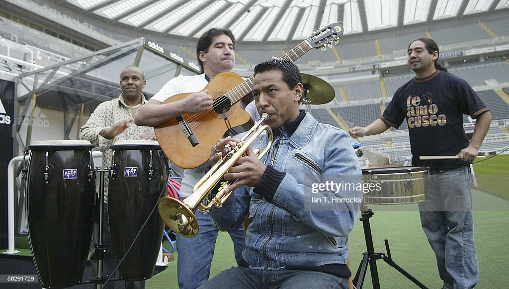 Nolberto Solano & His Band : News Photo