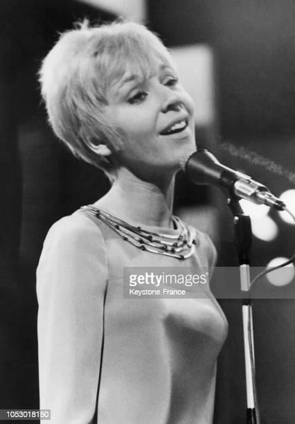 Noëlle Cordier qui défendait les couleurs de la France au concours Eurovision de la chanson à Vienne Autriche en avril 1967